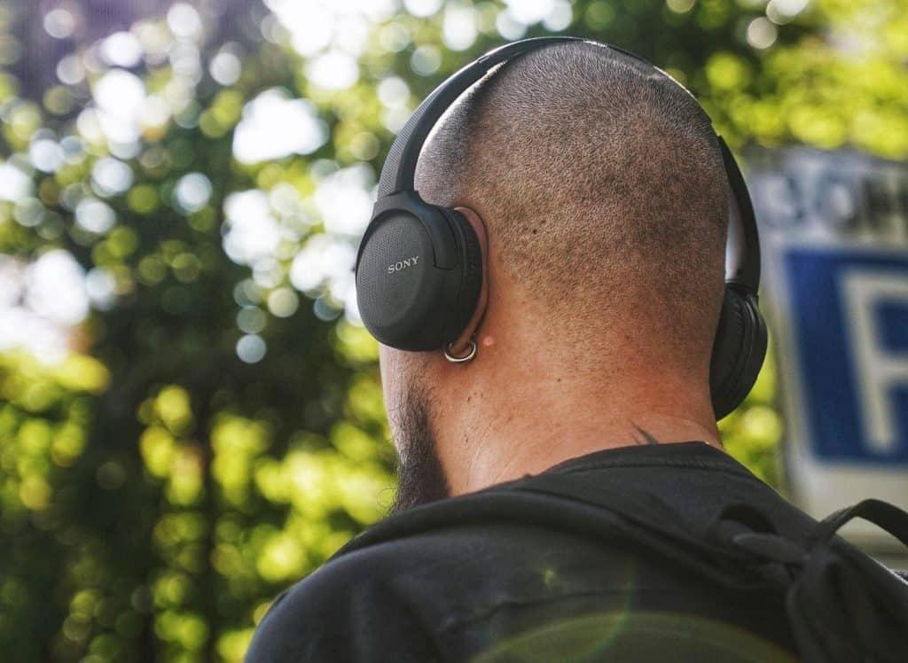 tip to prevent headphone hair